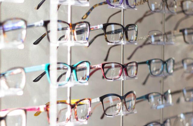 Brillemode: Sådan vælger du de rigtige briller